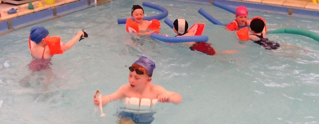 352250235681842377-swim-play